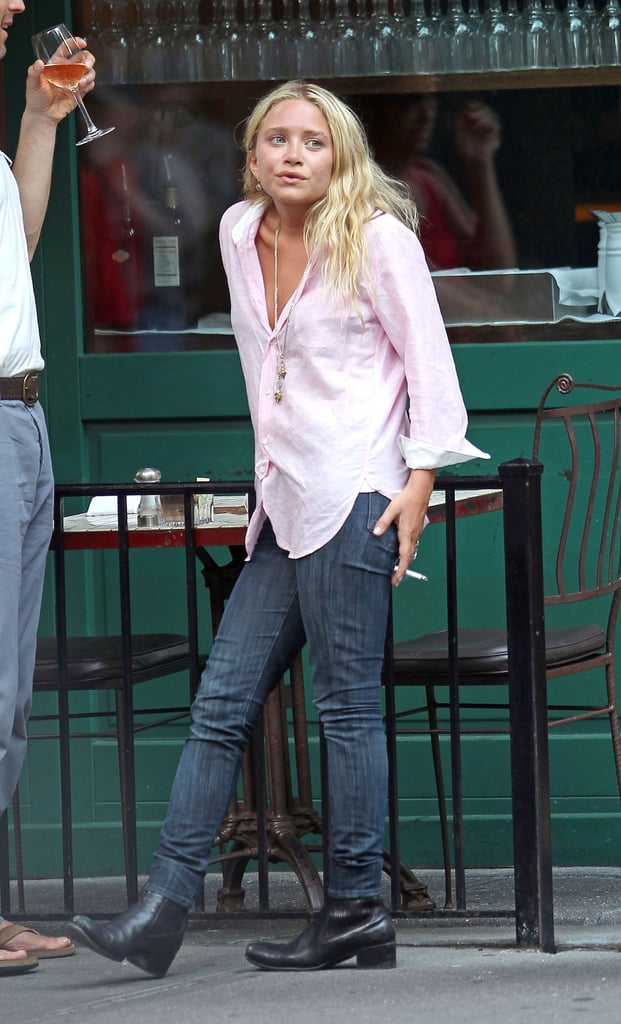 Mary-Kate Olsen smoking in NYC.