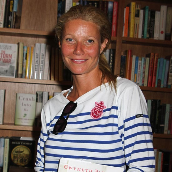 Gwyneth Paltrow Signs Autographs in the Hamptons Pictures