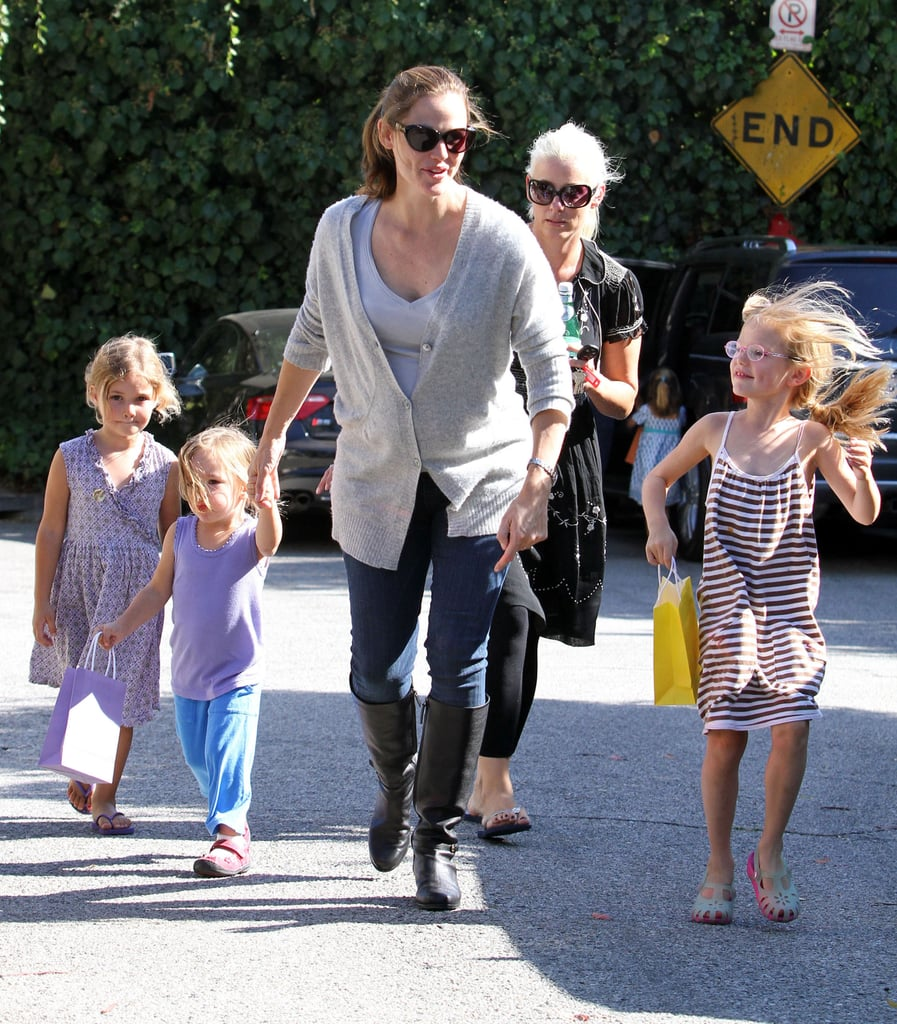 Jennifer Garner takes her girls out to play.