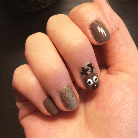 Christmas Nail Art: DIY Reindeer Nail Art