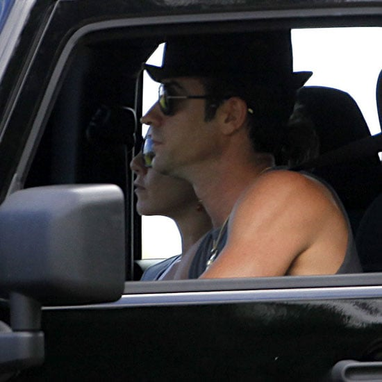 Jennifer Aniston and Justin Theroux Make a Pit Stop For a Hawaiian Treat
