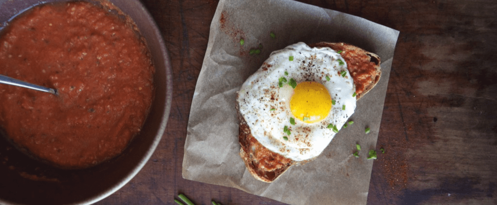 Make This Pan Con Tomate With a Fried Egg Part of Your Morning Routine