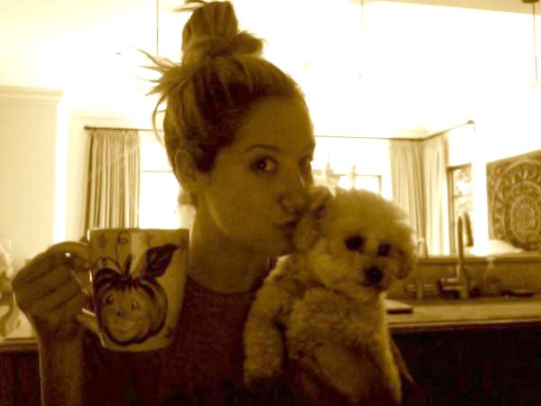 Ashley Tisdale shared a photo of herself with her dog, Maui.  Source: Twitter user ashleytisdale