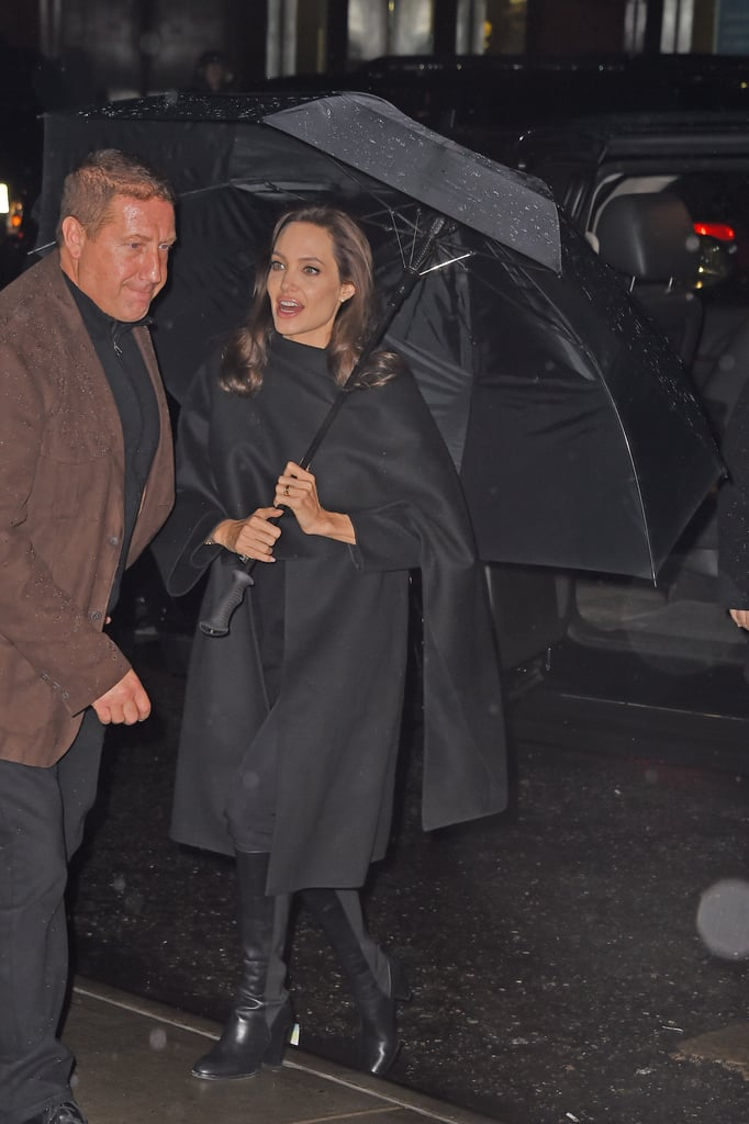 News Pics and More... - Page 4 Caped-Poncho-Makes-Chicer-Raincoat