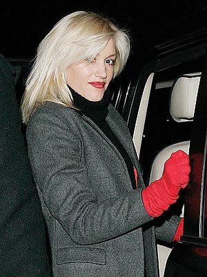 Finish Your Look With Red Gloves Like Gwen