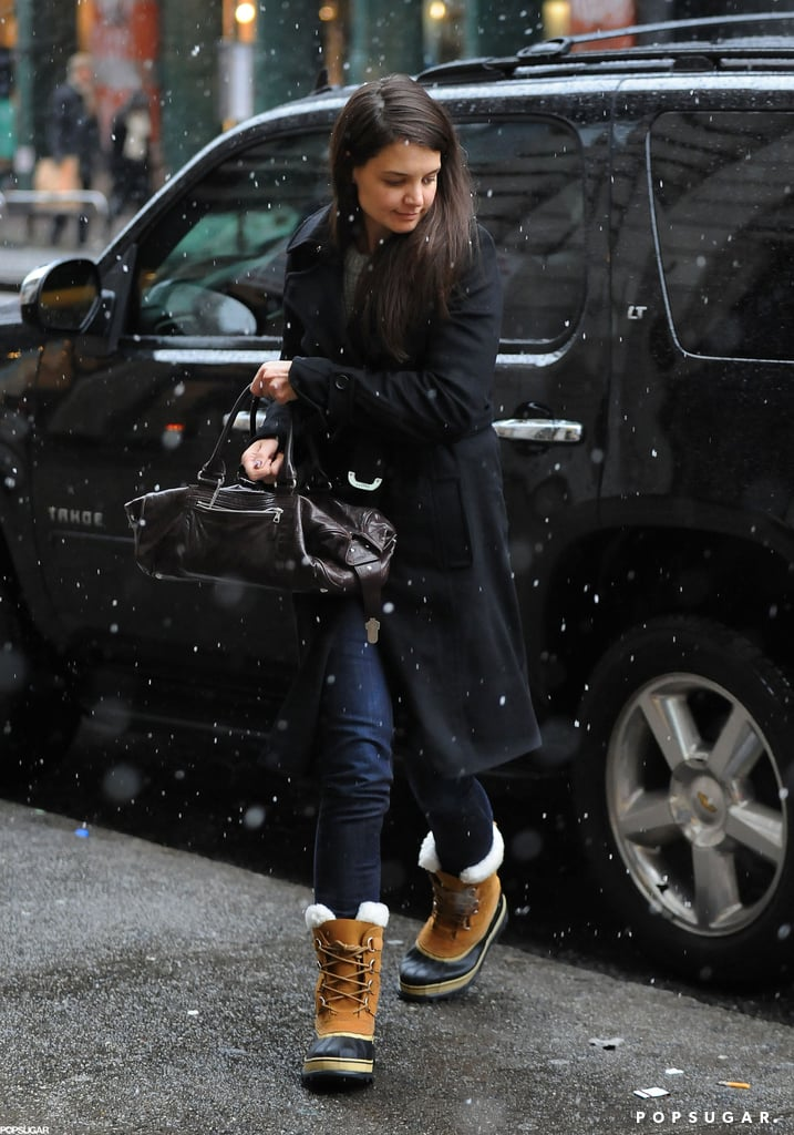 Katie Holmes Breaks From FW as NYC Braces For a Blizzard