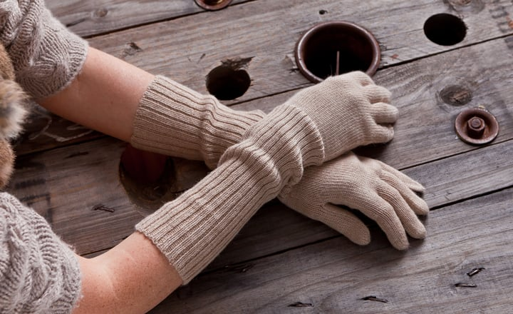 Alicia Adams Alpaca Gloves