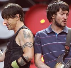 Sugar Bits – Red Hot Chili Peppers Take A Break
