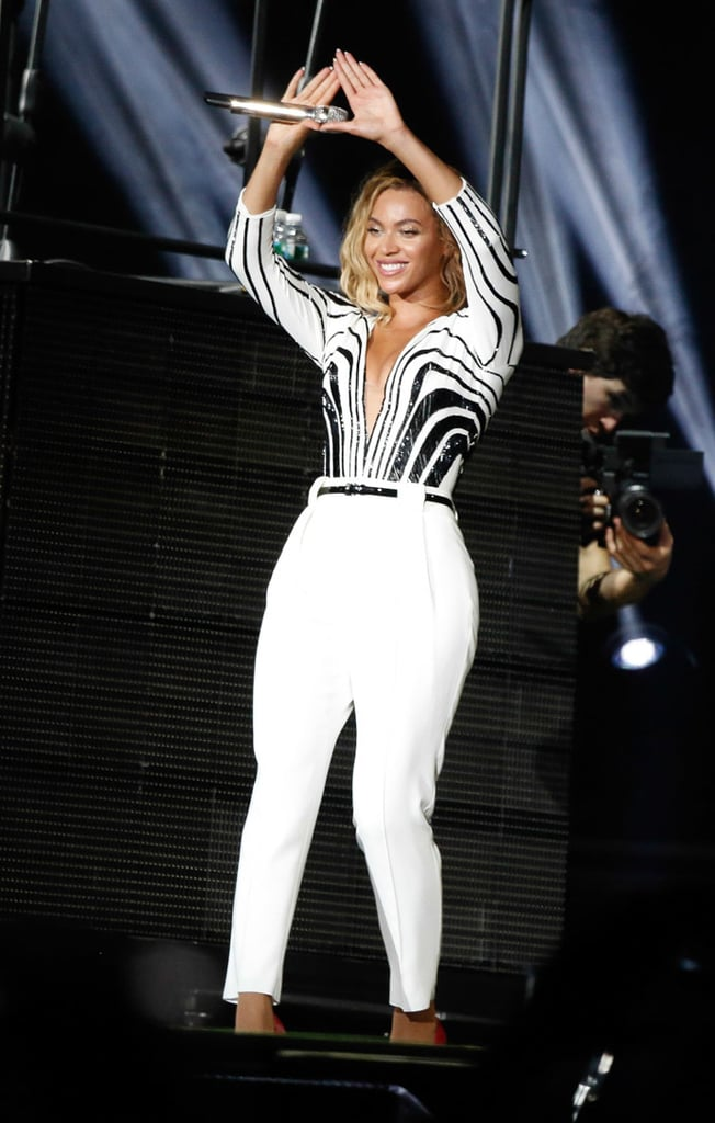 Beyoncé showed her support for Jay Z while performing at the Made in America Festival.