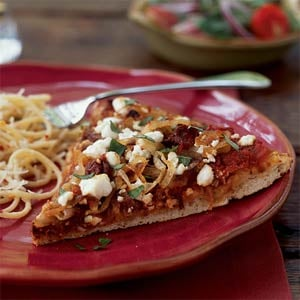 Fast & Easy Dinner: Caramelized Onion Pizza