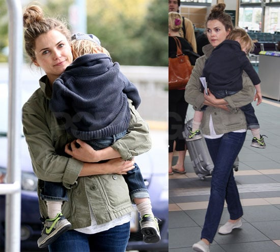 Pictures of Keri Russell and River At the Vancouver International Airport