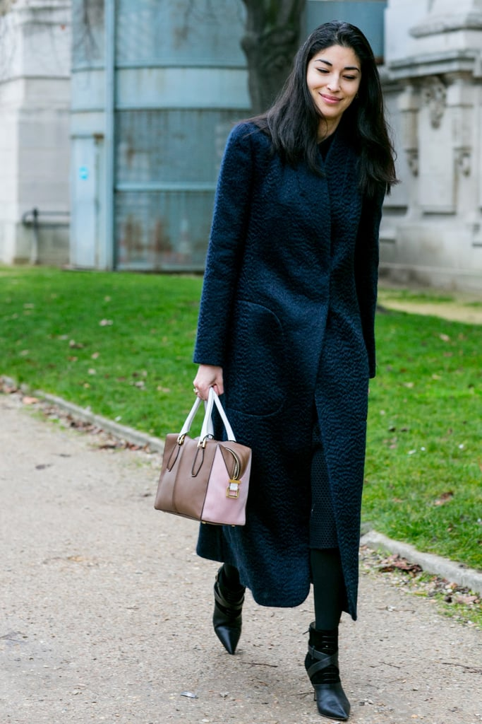 Caroline Issa carried her ladylike sensibility to an all-black outfit.