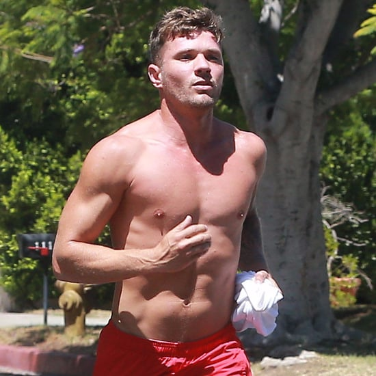 ryan phillippe ryan phillippe jogs shirtless in la much to the delight Ryan Phillippe