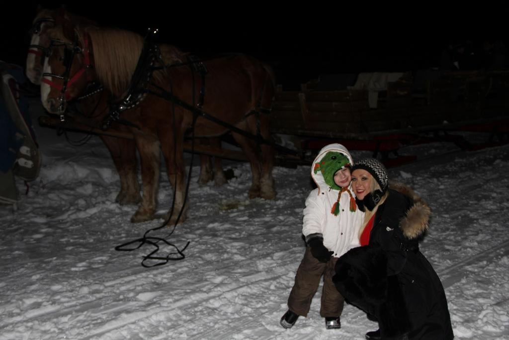 Christina Aguilera and her son, Max Bratman, posed together in the snow. Source: Twitter user TheRealXtina