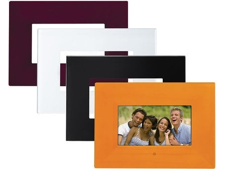 Polaroid Creates a Versatile Digital Photo Frame