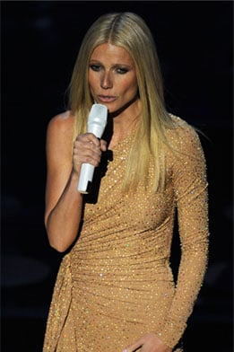 Gwyneth Paltrow Stage Outfit at Oscars 2011
