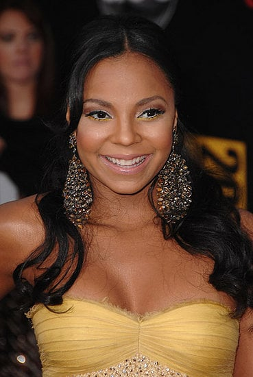 Love It or Hate It? Ashanti's American Music Awards Look