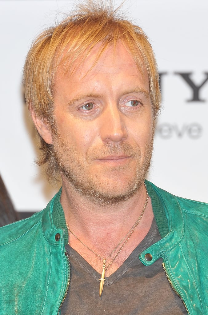 Rhys Ifans posed at the press conference for The Amazing Spider-Man in Japan.