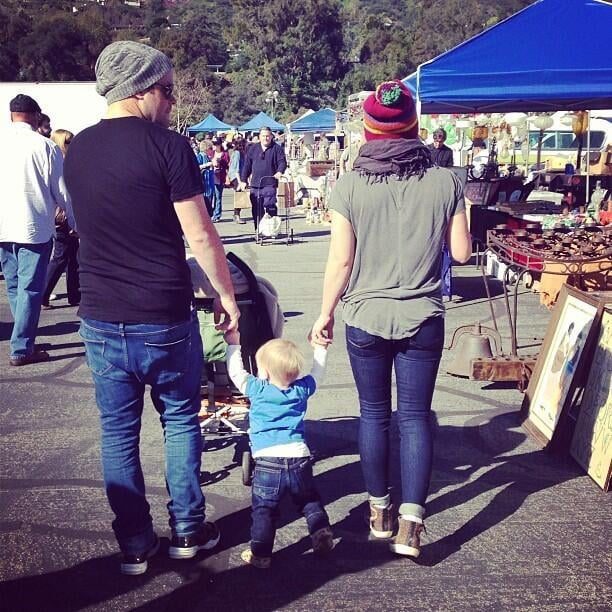 Hilary Duff and her husband, Mike Comrie, hit the Rose Bowl Flea Market in LA with their son, Luca. Source: Twitter user HilaryDuff