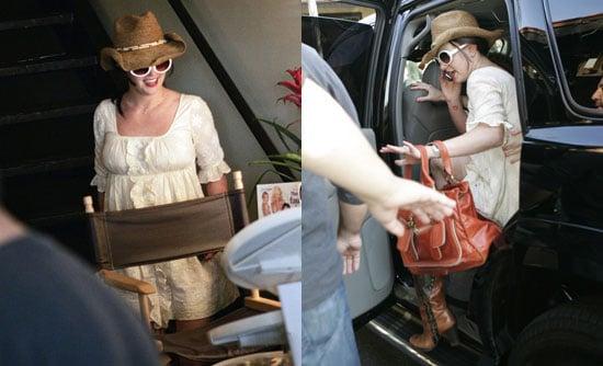 Britney Visits A Hair Salon, How Cheeky