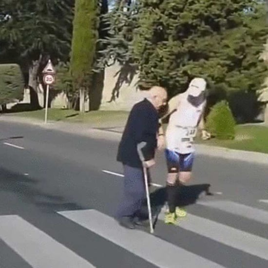 Marathon Runner Stops to Help Old Man