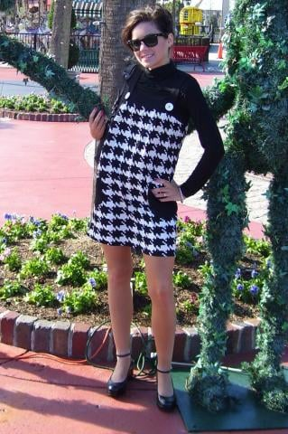 Look of The Day: Happy in Houndstooth