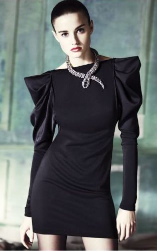 Poufy sleeves always add drama. That snake necklace is brilliant, too!