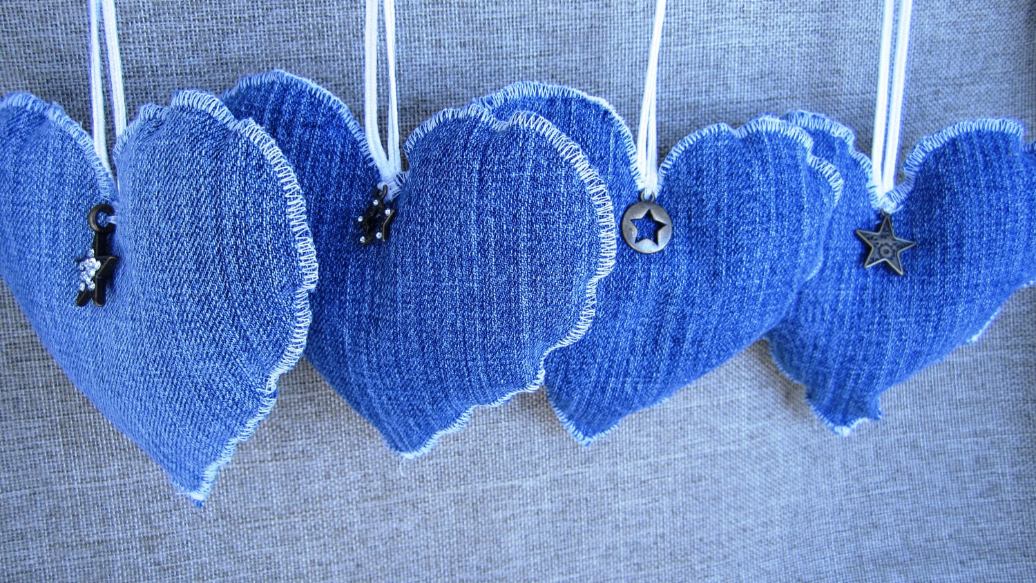 Denim hearts 221 upcycling ideas that will blow your for Jeans upcycling ideas