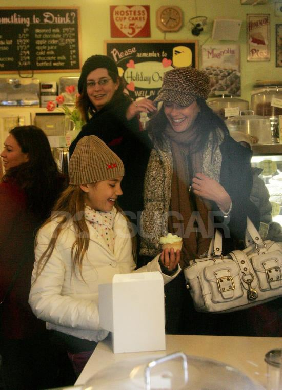 Teri Hatcher Goes on a Cupcake Outing