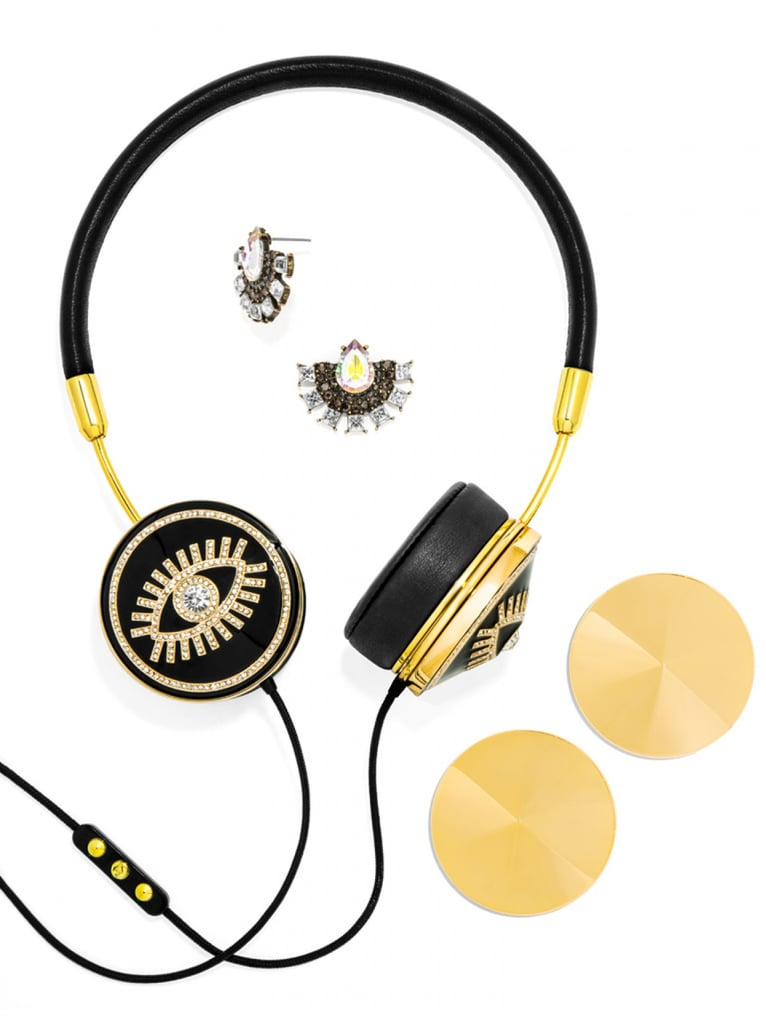 BaubleBar has colaborated with FRENDS to bring you all the glitz of BaubleBar jewelry with their FRENDS X BaubleBar Fortuna Layla Headphone Set which features leather details and a fabric covered cord ($85). The set includes the headphones, memory foam ear cushions, 2 pairs of ear caps, a pair of matching earrings and a zipperd pouch to sore it all in.