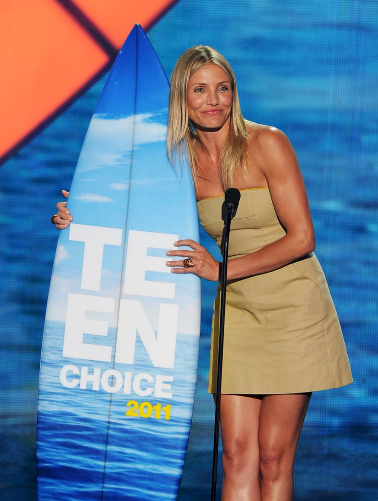 Cameron Diaz collected a surfboard at the 2011 Teen Choice Awards.