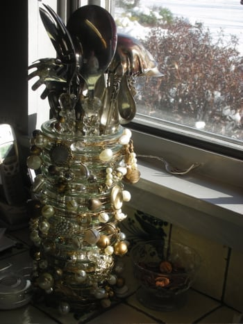 Cool Idea: Baubled Wire Vase