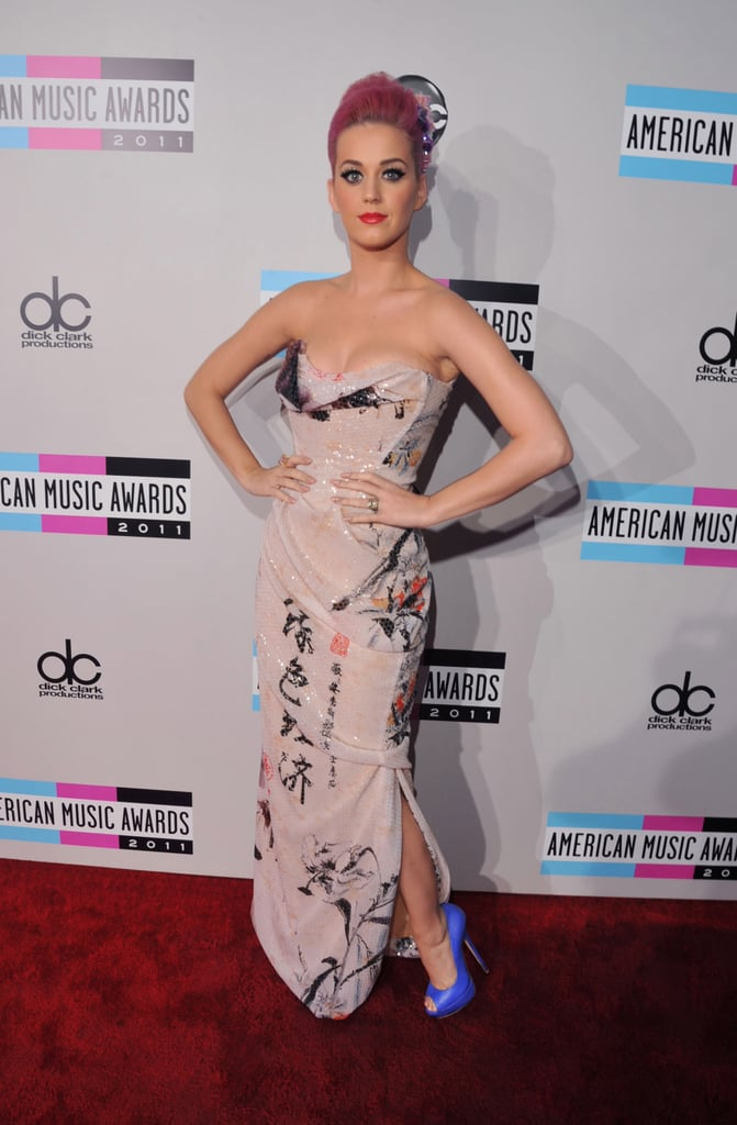 Katy Perry had pink hair and blue heels at the American Music Awards.