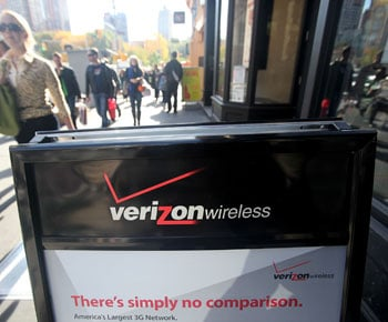 Verizon Drops Prices on National Plans, T-Mobile Drops Prices on Cell Phones