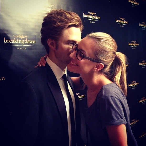 Laura Dundovic got up close and personal with a wax figure of Robert Pattinson at the Sydney screening of Breaking Dawn Part 2. Source: Instagram user lauradundovic