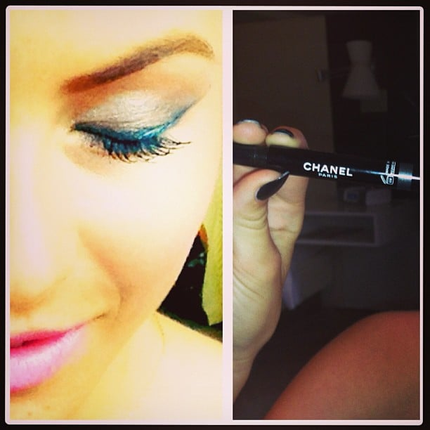 Julianne Hough shows off one of her favorite new products. Source: Instagram user juleshough