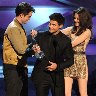Quiz on People's Choice Awards Including Eclipse, Johnny Depp, Jennifer Aniston, Kardashians, and Kristen Stewart
