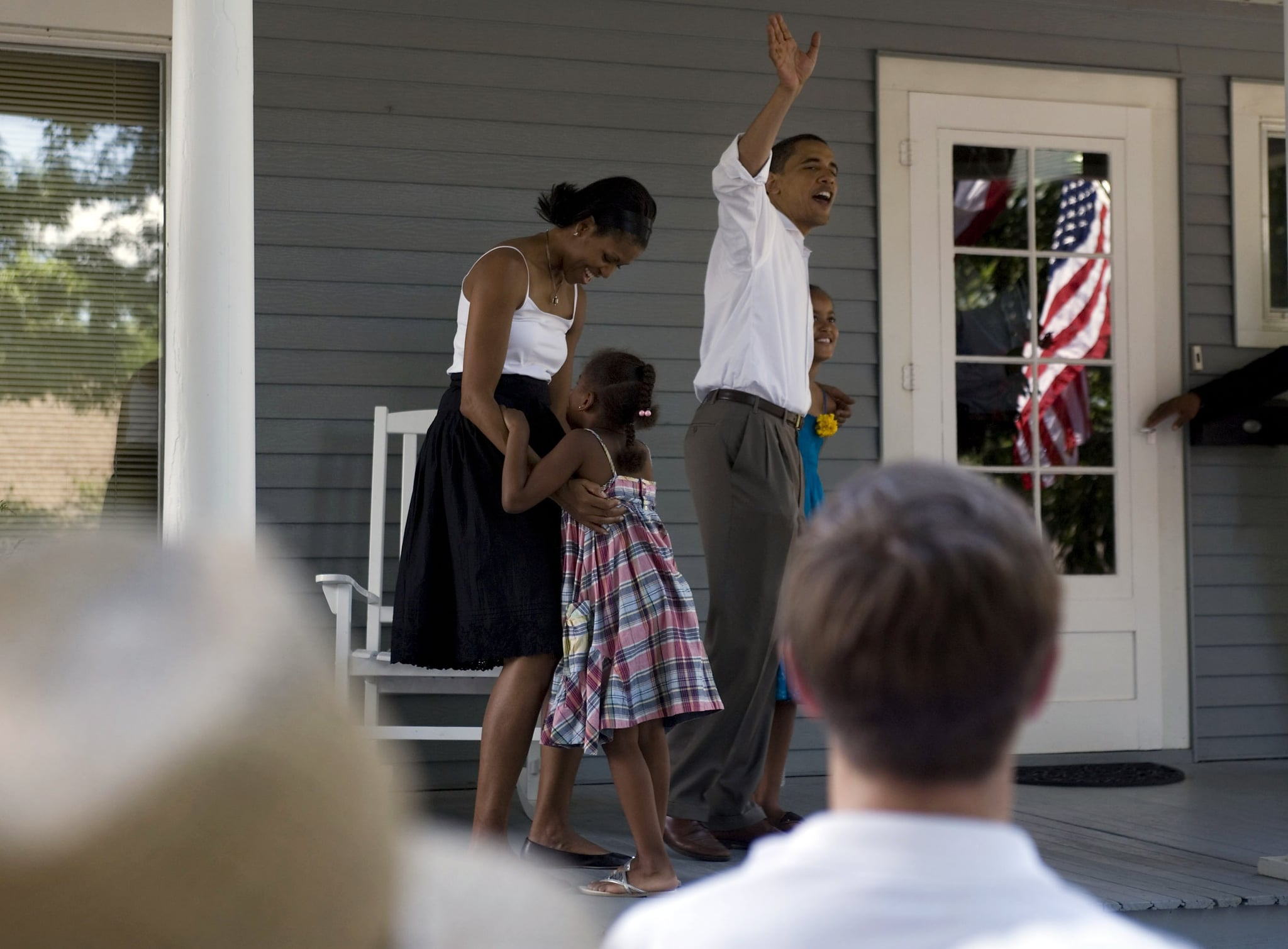 Sasha hugged Michelle during a 2007 Fourth of July campaign event.