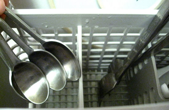 Save Time by Pre-Sorting Your Silverware When Washing