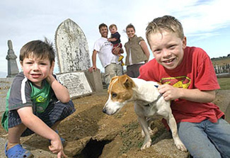 Dog Buried for 2 Weeks and Lives
