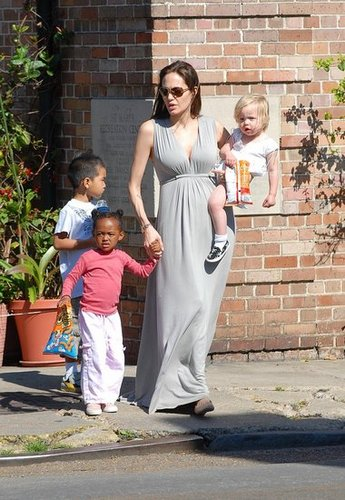 Angelina jolie and the kids  New  Orleans - 16/03/08