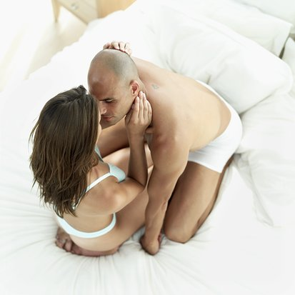 Dear Quiz: Who Is More Distracted During Sex?