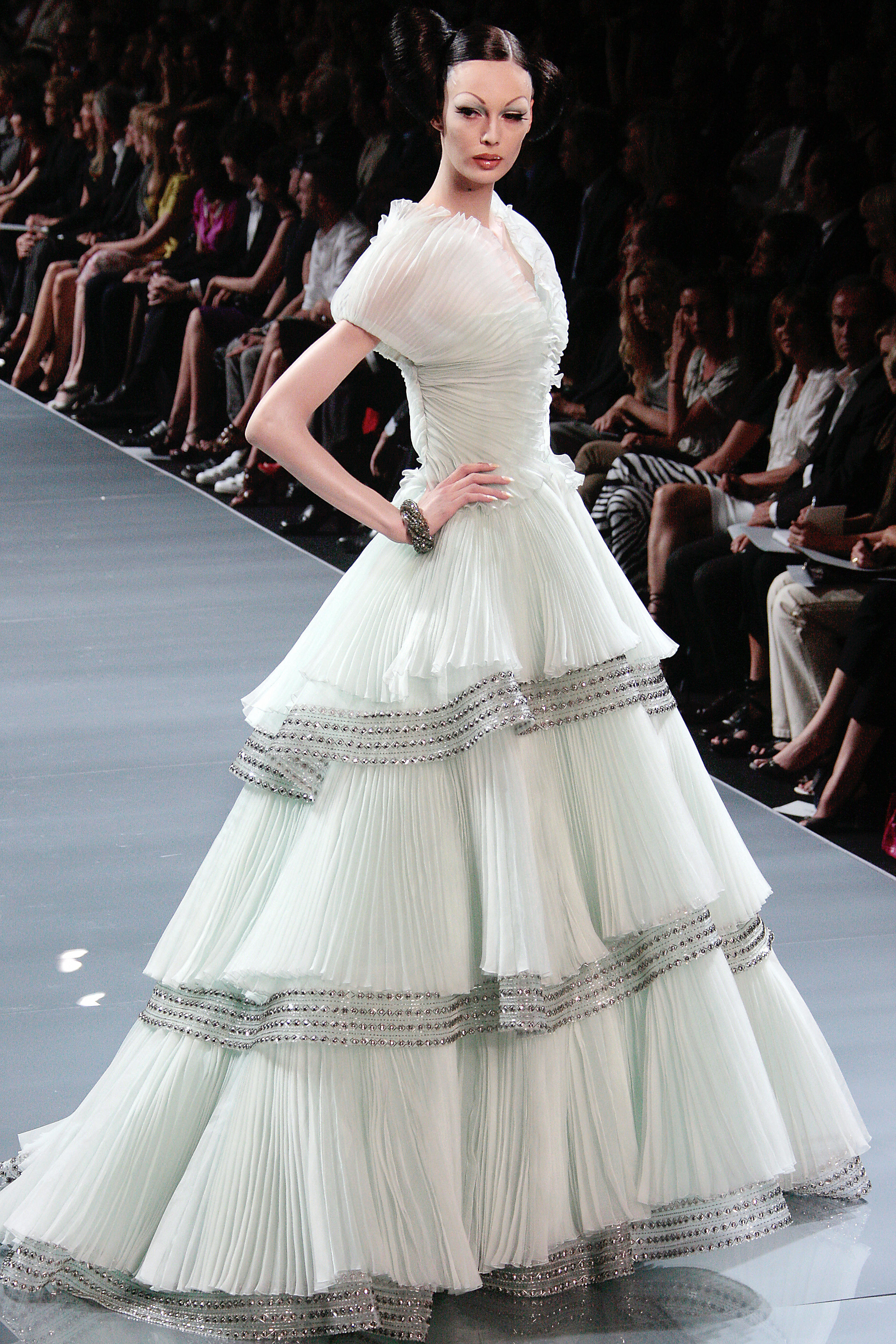 2008 fall couture christian dior popsugar fashion for Couture high fashion