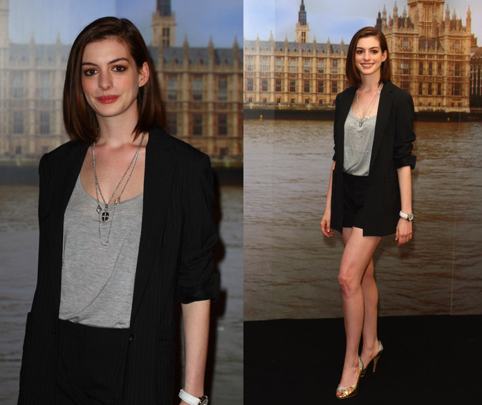 Anne Hathaway Outfits: Celebrity Style: Anne Hathaway