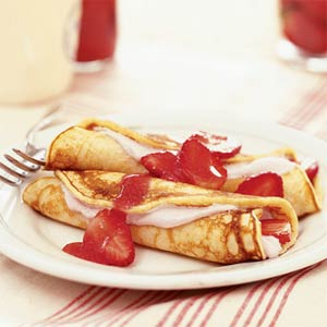 Strawberry Pancake Roll-Ups
