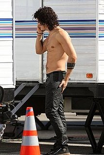 Photos of Orlando Bloom Shirtless on the LA Set of Sympathy For Delicious