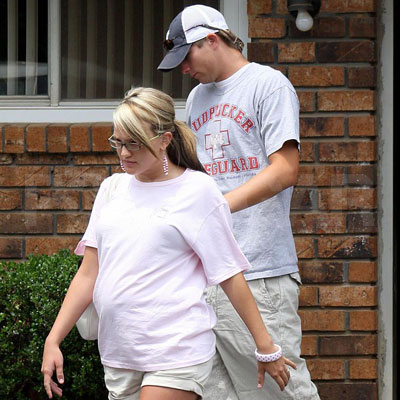 Jamie Lynn Spears and Casey Aldridge out in Kentwood