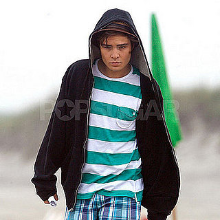 Photo of Ed Westwick Filming Gossip Girl 2008-06-26 23:00:08