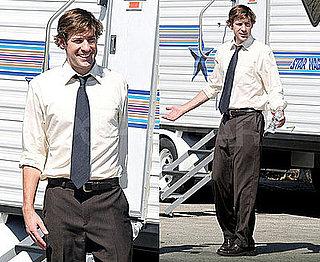 Photos of John Krasinski on the Set of The Office 2008-09-26 17:00:00