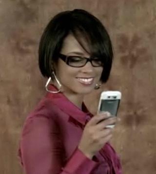 Alicia Keys Shows Off a Nokia E71 in Superwoman Vid